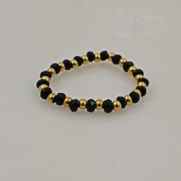 Czarno złoty pierścionek z koralików