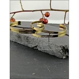 Sztywna cienka bransoletka z napisem